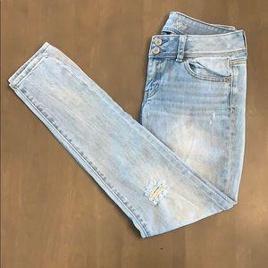 AEO Distressed Skinny Stretch Jean 2